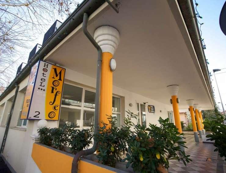 esterno-hotel-morfeo-2-rimini-740x566.jpg